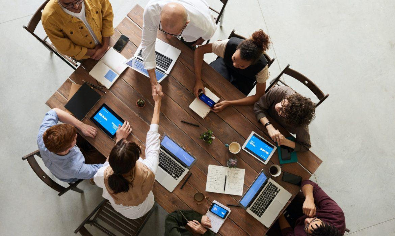 benefits of hiring professionals for social media management